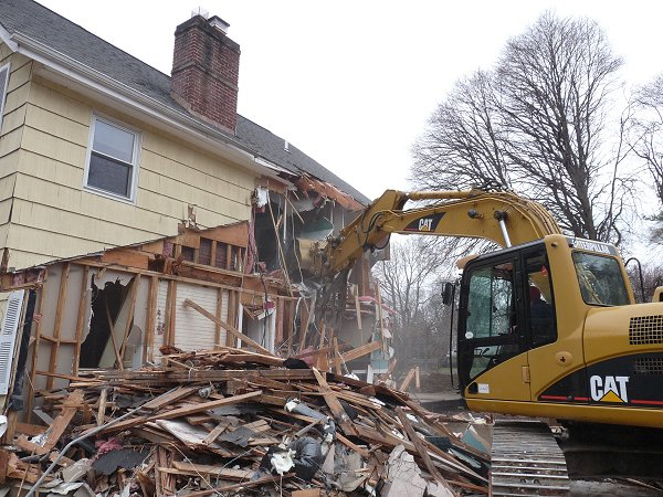 hiring a demolition contractor